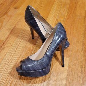 NWOB Pour La Victoire Angelie Platform Heels